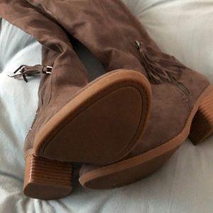 Women's gray suede knee high boots